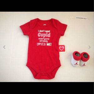 Infant NIKE AIR JORDAN BABY BOOTIES 0-6M & Onsie